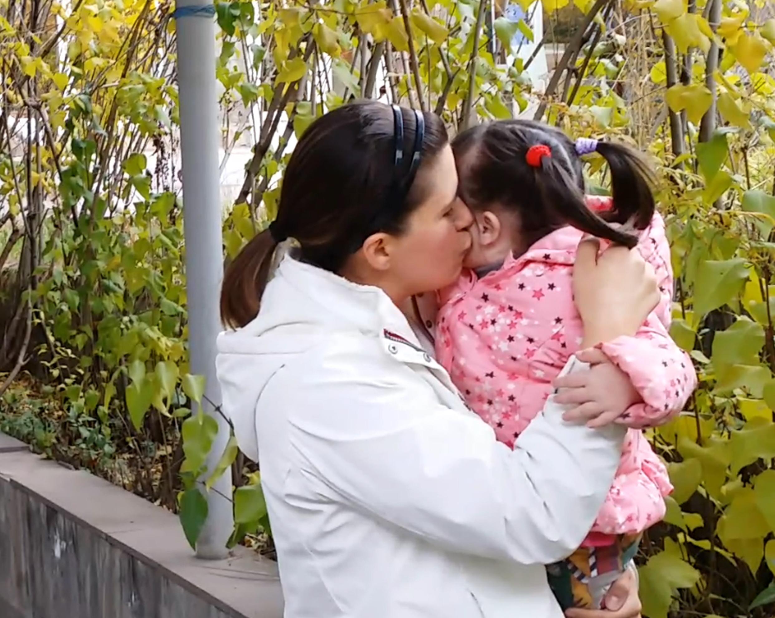 Kissing Sofi